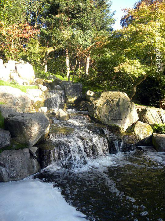 Kyoto Garden, cascatelle