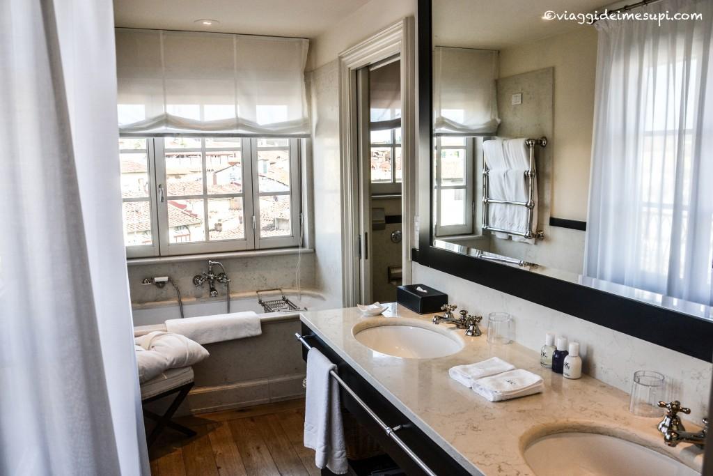 JK Place, bagno suite