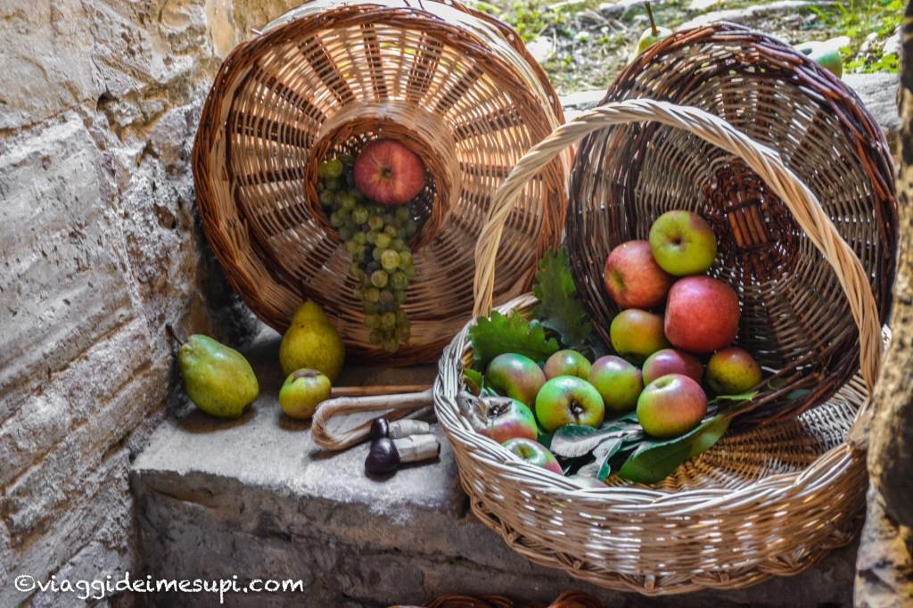Herbae Volant, Fructus Manent, decorazioni